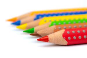 Ofrecemos formación tanto presencial como on-line a desempleados, empresas y centros de educación primaria y secundaria.